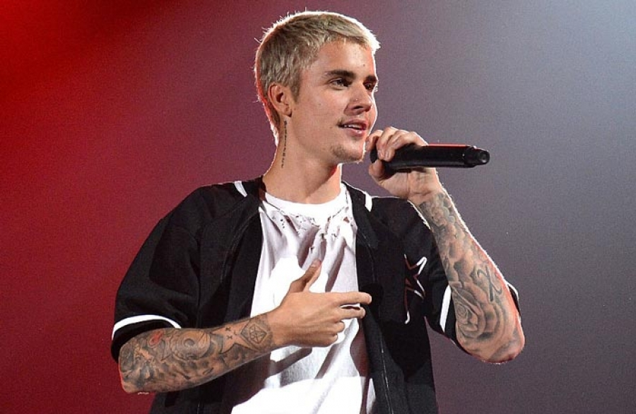Justin Bieber cancels World tour,apologize to fans.