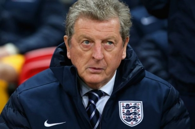 Leicester seeks new manager ,open talks Roy Hodgson.
