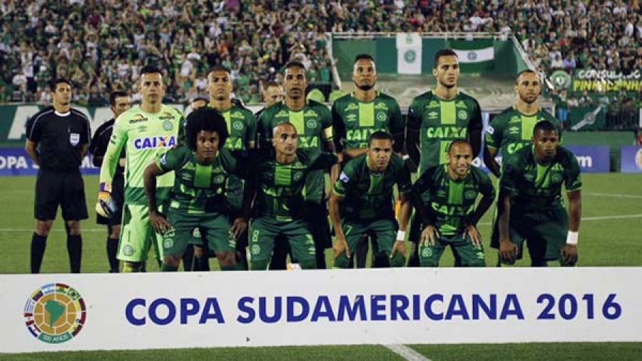 Plane carrying Brazilian Football Team,others crash in Columbia.