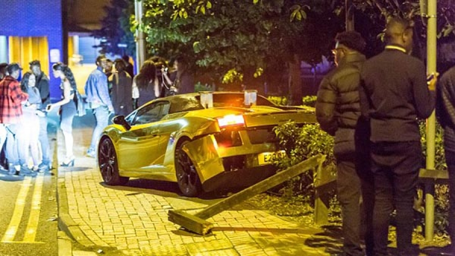 21yr old Nigerian man crashed his Lamborghini and Bentley worth £450,000, and said 'life goes on'