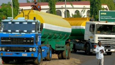 Bad roads are causing accidents, Tanker drivers lament