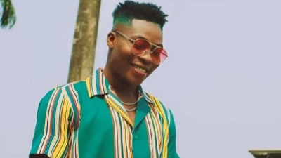 Reekado Banks sacks his Brother as Manager, explains why