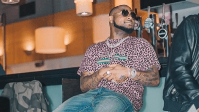 Davido punches a fan for attempting to take a picture of him